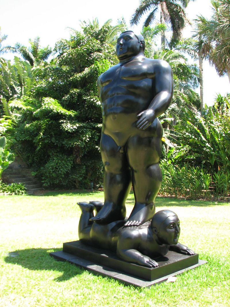 Statue botero 2