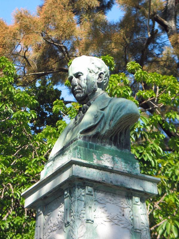Jardim_botanico_statue_1