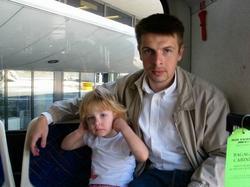 Avec papa (c) Sophie Bellais