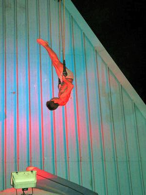 Resto do chapito acrobate (c) SB